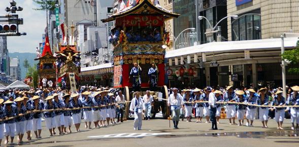 Gion_Matsuri_Festival-1
